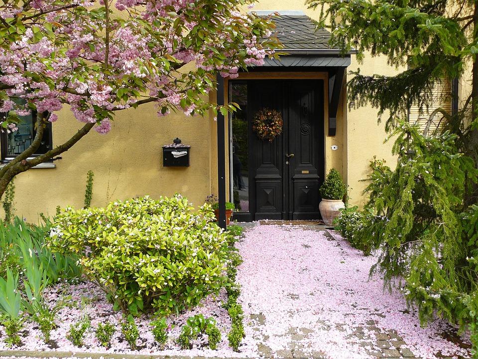 house entrance 255132_960_720