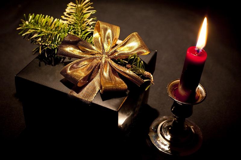 christmas present_G1vLW4qu