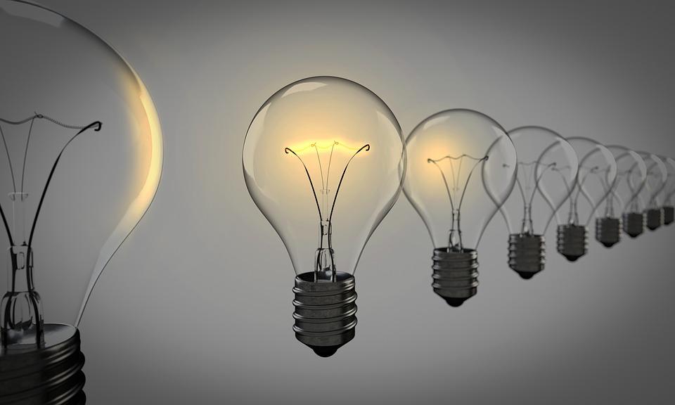 light-bulbs-1875384_960_720