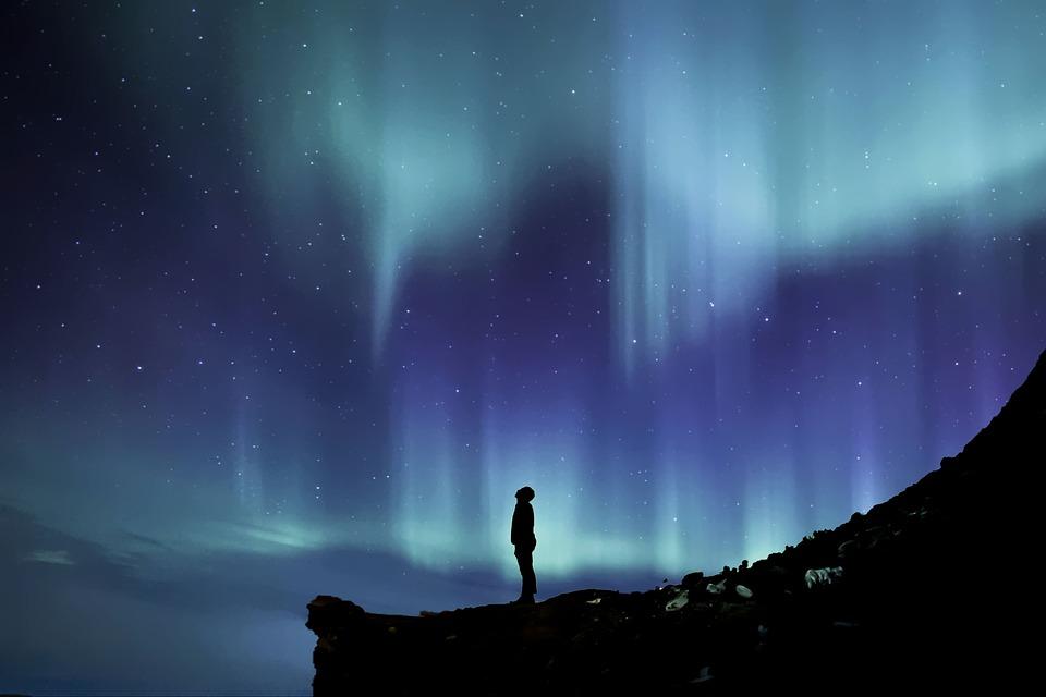 aurora-borealis-2464940_960_720
