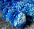 blue-stone-crystal-725x544