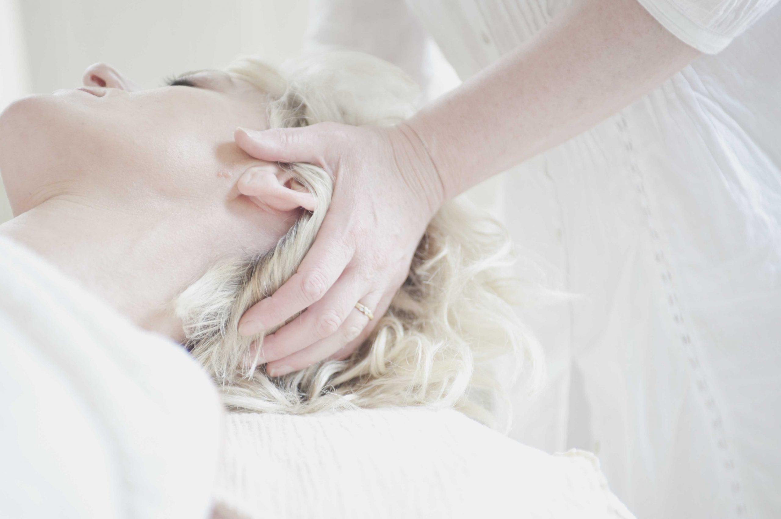 masaje-terapéutico-astigarraga-maribi-barrocal-cuello
