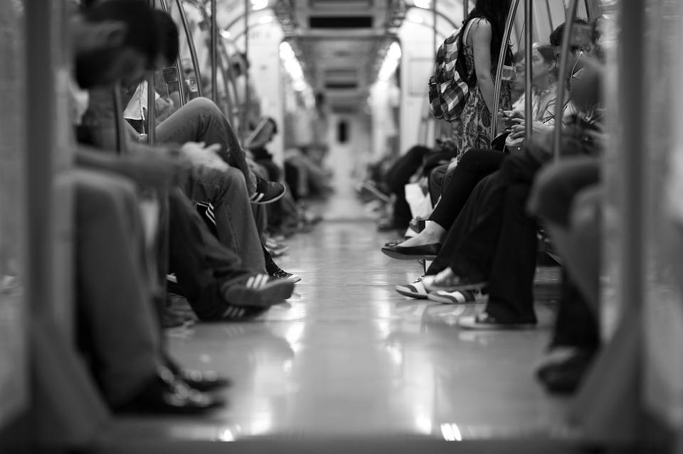 train-2373323_960_720