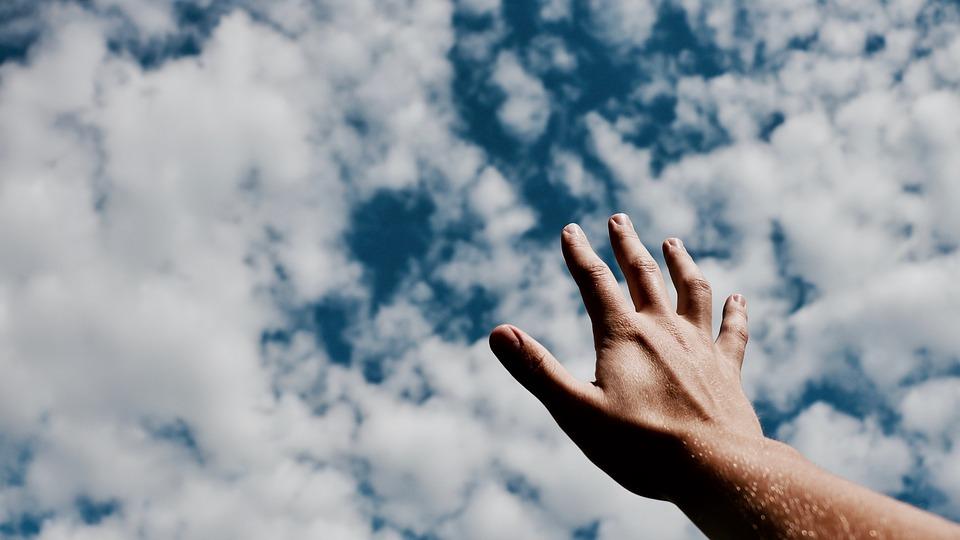 hands-2569034_960_720