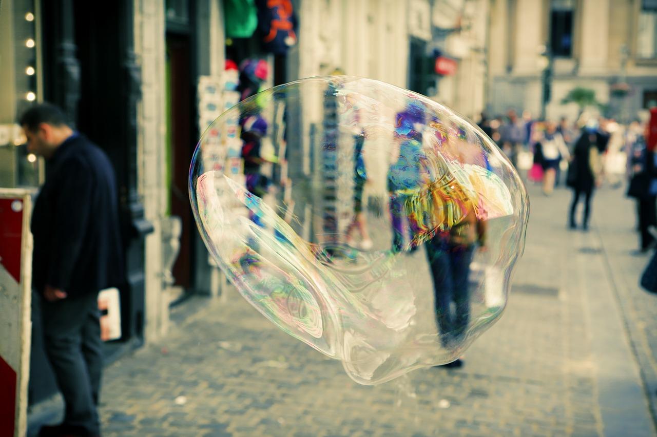 soap-bubble-406944_1280